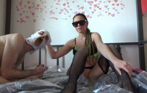 Scat on the bed with Lila Scat Mistress [FullHD / 2020]