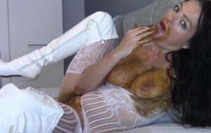 Filthy Scat Play On My Bed with Evamarie88 [FullHD]