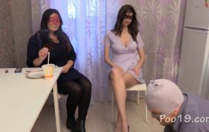 Chocolate lunch from Karina and Kamilla with MilanaSmelly man shit eat [FullHD]