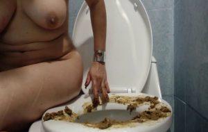 ScatDoll Toilet Seat Painting Live Webcam Poop